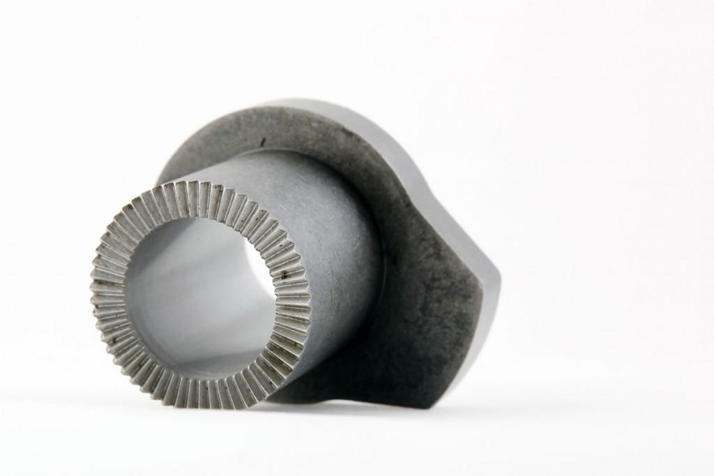 LEVA de acero F154 cementado y templado, realizada en centro de mecanizado y contorno por hilo.